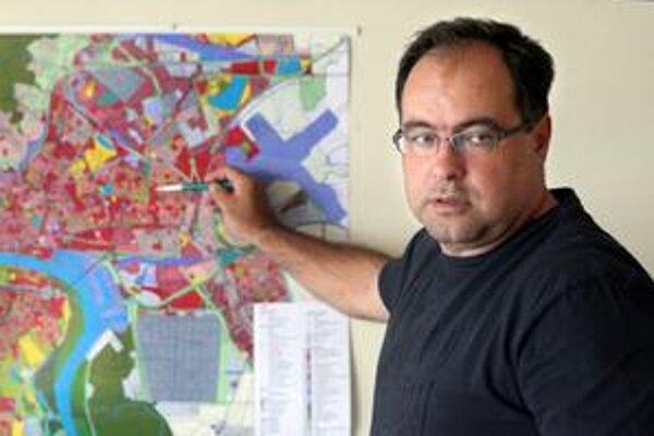 Ružinovský starosta Slavomír Drozd (Smer) za štyri roky vo funkcii nepretlačil ani jediný zonálny plán.
