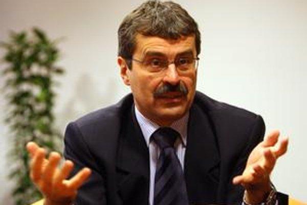 Milan Ftáčnik. Kandiduje ako nezávislý, no s podporou Smeru.