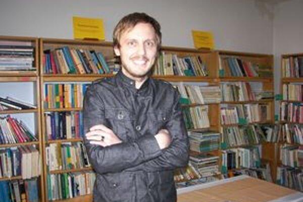 Michal Hvorecký. Do Novej Bane prišiel prvýkrát. Besedoval s gymnazistami, aj s verejnosťou.