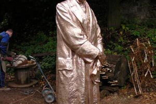 Socha Masaryka pred nanášaním patiny. Ide o kópiu sochy pražského sochára Ladislava Šalouna. Odliatok robil  Jaroslav Matějíček.