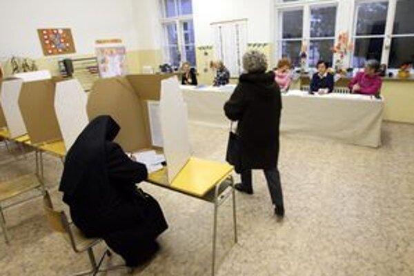 Voliči z Kremnice a zo Žiaru spoznajú názory kandidátov na primátorov aj prostredníctvom predvolebných diskusií.