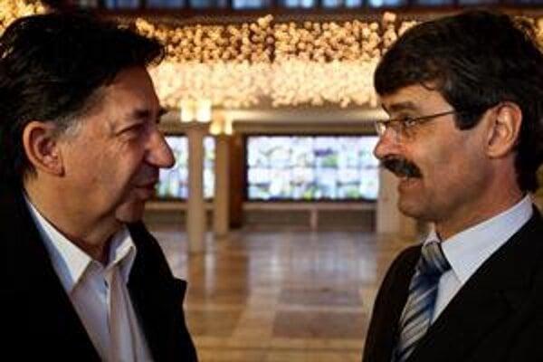 Ján Budaj (vľavo) a novozvolený primátor Milan Ftáčnik rokovali o poste pre Budaja.