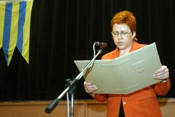 Iveta Hanulíková - opätovne zvolená starostka Karlovej Vsi.