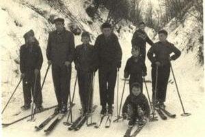 Karloveskí lyžiari v 50. rokoch.