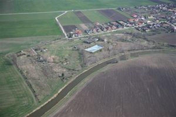 Letecký záber areálu bývalého kúpaliska.