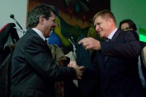 Milan Ftáčnik oslavoval víťazstvo v novembrových komunálnych voľbách aj  s Robertom Ficom.