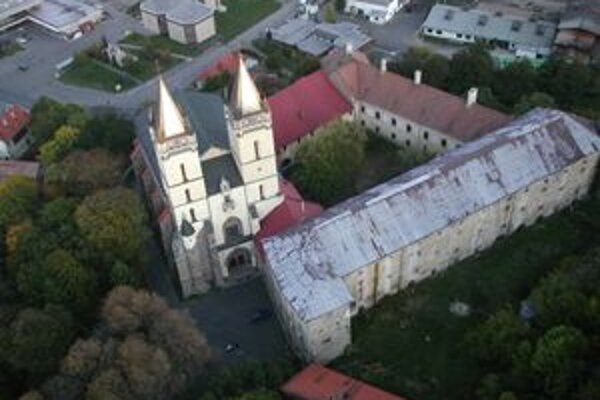 Kláštor v Hronskom Beňadiku má šancu stať sa víťazom ankety Siedmy div kraja.