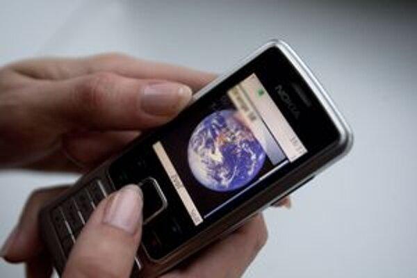 Poslanci kremnického zastupiteľstva budú môcť mobily počas rokovaní používať aj naďalej.