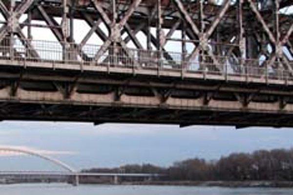 Od nového roka bude Starý most slúžiť len pre MHD a peších.