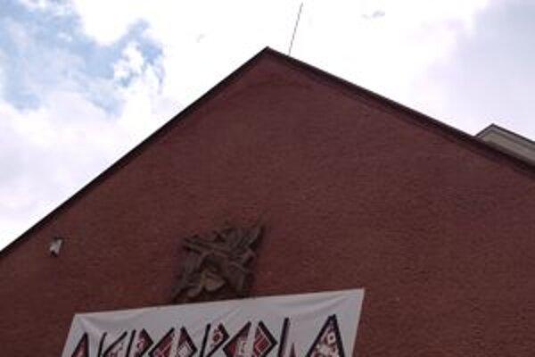 Medzi úspešnými projektmi skončila aj obnova nádvoria kremnického kina.