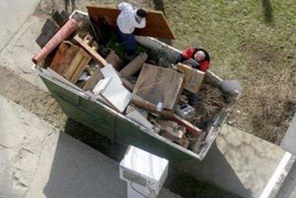 Veľkokapacitné kontajnery slúžia len na nadrozmerný komunálny odpad.