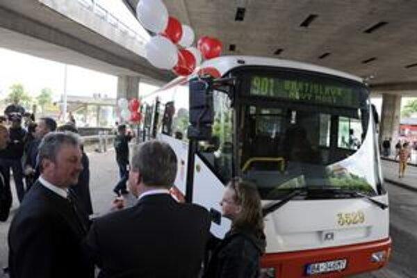 Autobus do Hainburgu začal premávať v marci, do bližšieho Wolfsthalu sa jazdí od mája minulého roka.