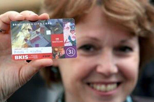 V meste zatiaľ funguje len Bratislavská mestská karta pre turistov. Umožní im využívať zľavy napríklad na MHD a rôzne vstupenky.