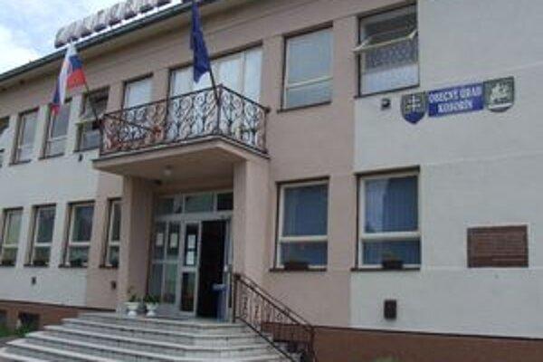 V januári si budú Kosorínčania voliť nového starostu. Na tento post kandidujú dvaja muži.