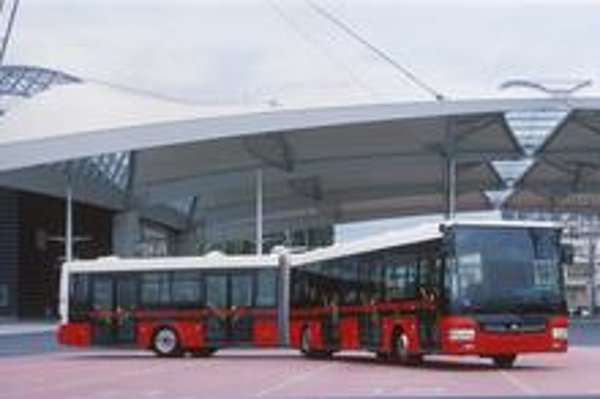 Kĺbový autobus SOR