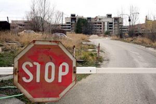Oživenie ruiny ovplyvní životy obyvateľov Lamača. Naruší sa pokojné prostredie, pribudne ruch a bude treba doriešiť aj dopravné napojenie.