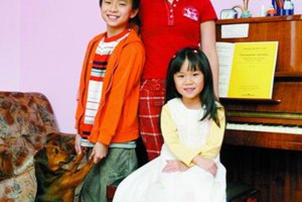 Vietnamská klaviristka a skladateľka Hoang Thi Kieu Anh žije s manželom a deťmi vo Vajnoroch.