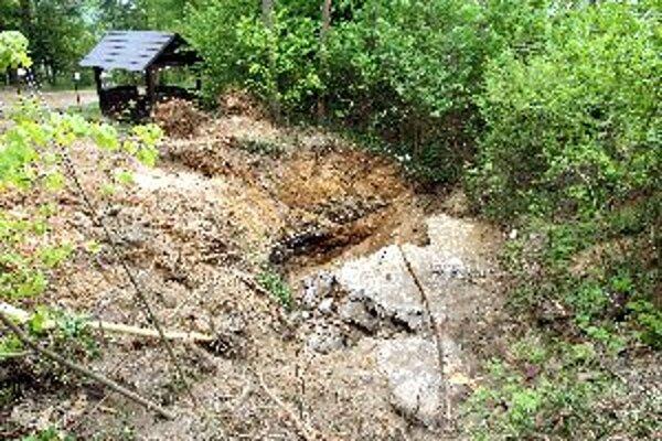 Šachta Mária pohrozila pred pár týždňami, podobných lokalít je však na Slovensku viac.