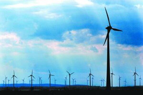 Obyvatelia Dolného Rakúska sú na veterné turbíny zvyknutí. Ľudia žijúci pár kilometrov od Bratislavy ich nechcú.
