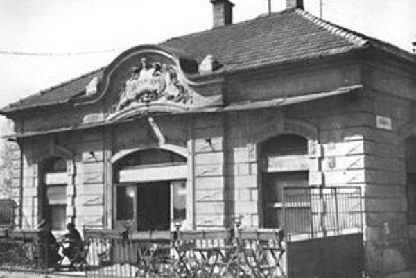 Krčma na Žižkovej ulici č. 1, okolo roku 1960.