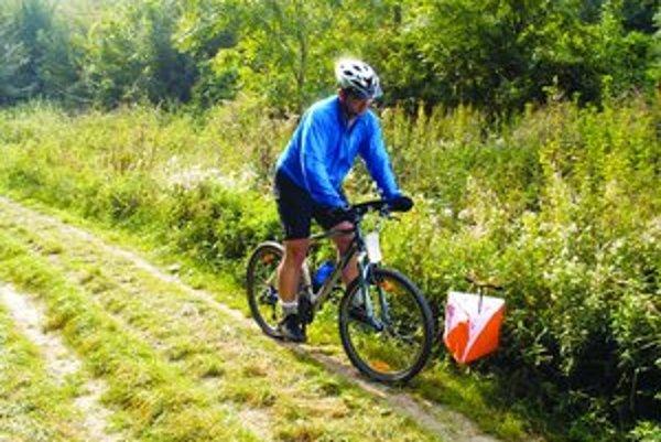 Trate zaviedli orientačných cyklistov na domácom šampionáte aj na lesné cesty.