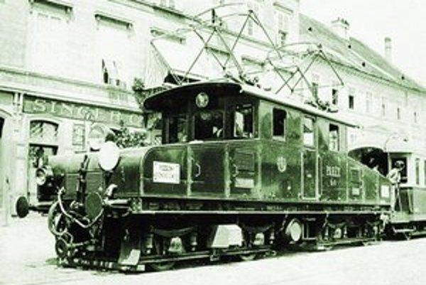 Elektrický rušeň slovenského úseku elektrickej železnice Bratislava – Viedeň z roku 1914.