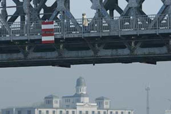 Nový most na mieste Starého má podľa architektov šancu stať sa dôležitým urbanistickým prvkom mesta.