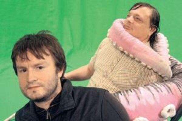 Režisér Juraj Lehotský (vľavo) a jeden z protagonistov filmu Slepé lásky.