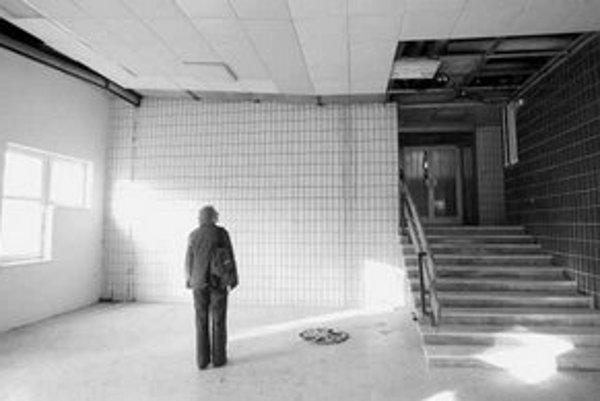V stavebníctve sa azbest používal najmä pri výrobe azbestocementov, izolačných materiálov a strešnej krytiny.