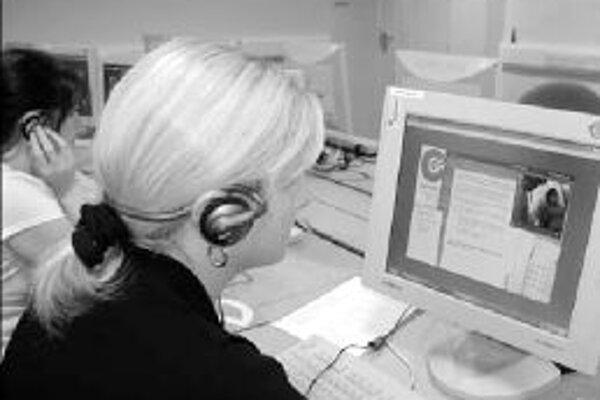 Internet pomaly nahrádza kurzy, školenia a tréningy, náročné na organizáciu času.