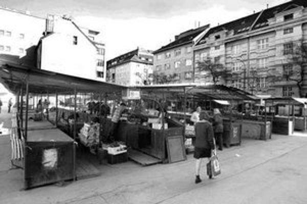Pozemok na Žilinskej ulici, kde v súčasnosti funguje trh, by jeho majiteľ chcel zastavať.