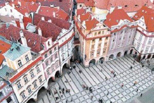 Historické centrum Prahy tvorí šesť častí, ktoré boli do 18. storočia samostatnými mestami. Staré Mesto, Josefov (dnes súčasť Starého Mesta), Nové Mesto, Malá Strana, Hradčany a Vyšehrad. Na tomto území s rozlohu 866 hektárov je najväčšia koncentrácia hi