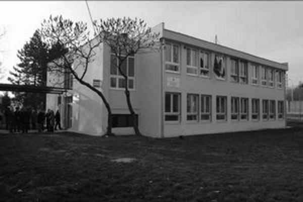 Oddelenie dokladov je v bývalej škole.