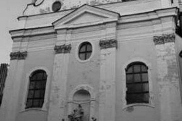 Detail fasády kostola františkánov.