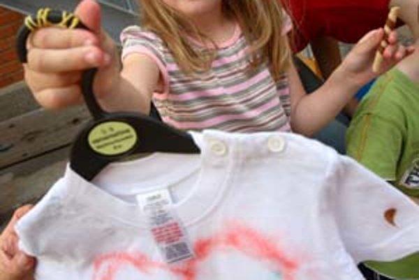 V rodinnom centre Prešporkovo oslavovali v sobotu deti svoj deň kreslením na tričká.