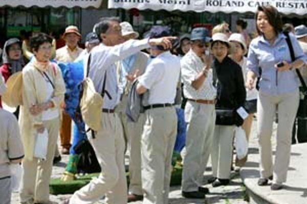 Turisti v meste po dvoch dňoch nemajú čo robiť.