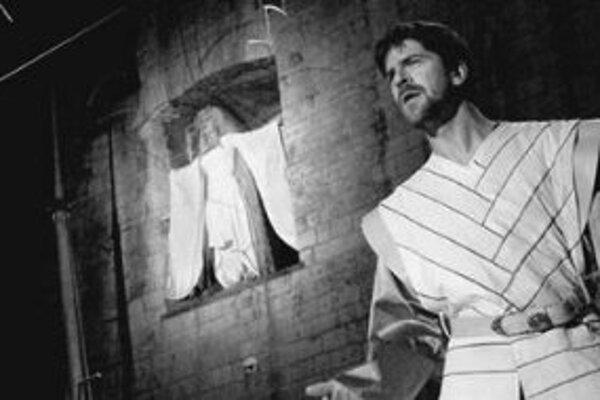 Shakespeare na Hrade pokračujePo premiére v Prahe prichádza v rámci Letných shakespearovských slávností na Hrad v réžii Jakuba Korčáka aj najvýznamnejšia hra Shakespearovho neskorého obdobia Búrka. V úlohe Prospera sa predstavia traja slovenskí herci - D
