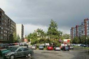 Rača navrhla zmeny územného plánu, napríklad v prípade Karpatského námestia. Navrhuje zvýšiť výšku zástavby.