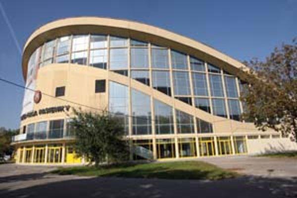 Športová hala Pasienky je dielom Jozef Chovanca a Jozefa Poštulku.