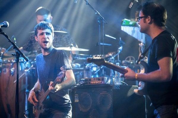 Hudobníci zo Snarky Puppy sa združovali okolo basgitaristu Michaela Leagua