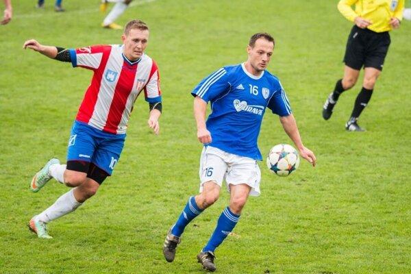 Belušan Peter Mišutka dal dva góly Holíču.