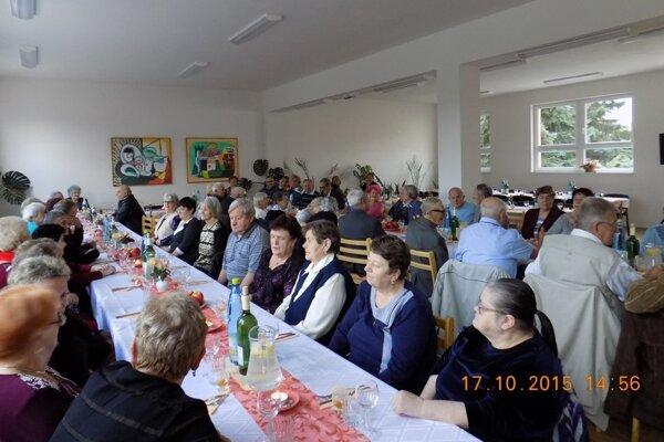 Jubilantom pripravili v Dolných Vesteniciach posedenie.