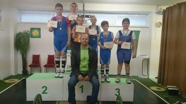 Úspechy žne tréner Škrobian aj vžiackej súťaži.