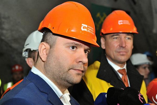 Generálny riaditeľ Národnej diaľničnej spoločnosti Róbert Auxt počas prerazenia tunela Ovčiarsko na úseku diaľnice D1 Hričovské Podhradie - Lietavská Lúčka.