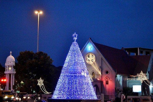 Vianoce majú príťažlivú atmosféru aj v teplom podnebí.