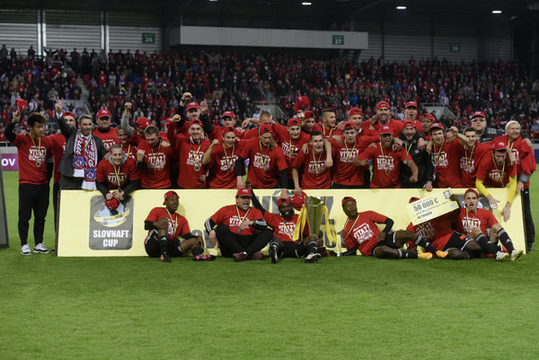 """Trenčín opäť siaha po """"double"""" - pohár už vyhral, už len dotiahnuť víťazstvo v lige."""