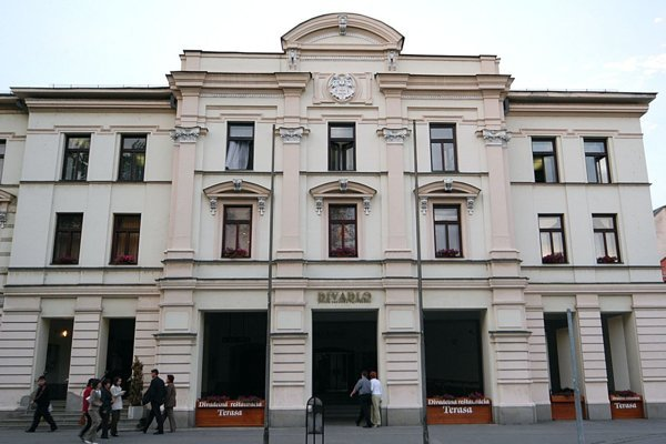 Divadlo J. G. Tajovského.