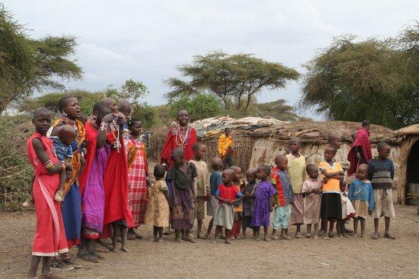 Pri dovolenke v Keni máte možnosť v rámci safari navštíviť aj osady Masajov.