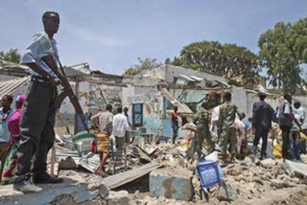 Somálski islamisti chcú v krajine vyvolať chaos. Využívajú na to aj únosy.