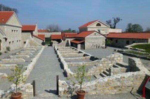Archeologický park Carnuntum leží kúsok za hranicou.